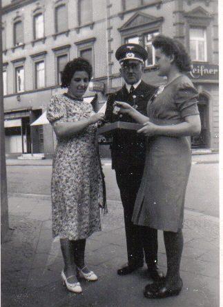 Adele und Peter Strempel sowei Gretel Wollbold in den 1930ern © Strempel