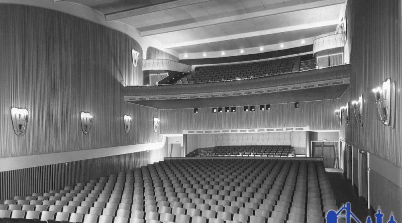1957: Blick in das neue Residenzkino © Günther Theis