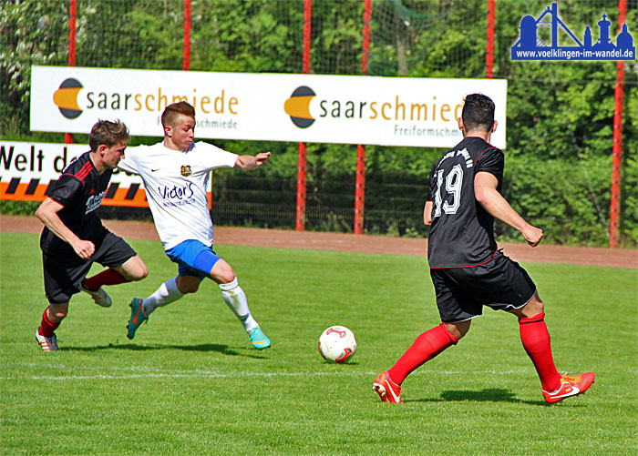 SV Röchling Völklingen - 1. FC Saarbrücken, eine Spielszene