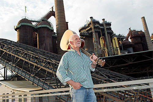 """Rod Davis von """"The Quarrymen"""" im Weltkulturerbe Völklinger Hütte Copyright: Weltkulturerbe Völklinger Hütte/Iris Maurer"""