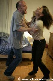 Häusliche Gewalt (Symbolbild - Quelle: www.polizei-beratung.de)