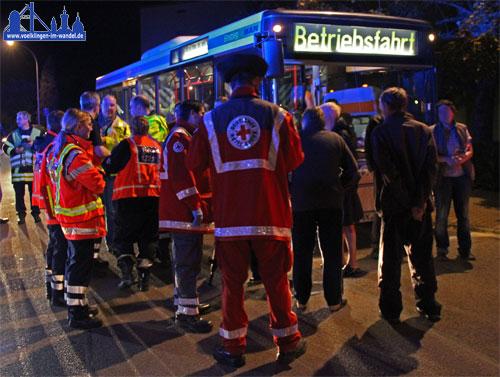 Für die Evakuierten Bewohner wurde schnell ein Bus der Stadtwerke organisiert.