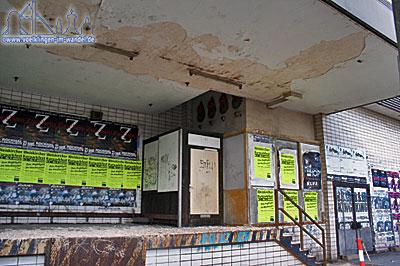Verfall und Vandalismus machen den Kaufhof nicht schöner