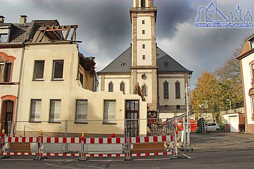 Man erkennt, wie der Blick auf die Versöhnungskirche werden wird.