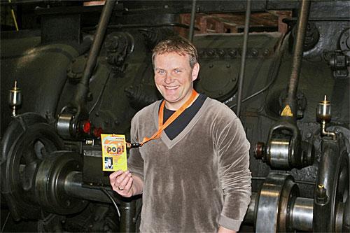 """SR-""""Tatort""""-Kommissar Devid Striesow war einer der Ersten, der sich einen Backstage-Pass zur Ausstellung """"Generation Pop!"""" im Weltkulturerbe Völklinger Hütte erstellte Copyright: Weltkulturerbe Völklinger Hütte/Karl-Heinrich Veith"""