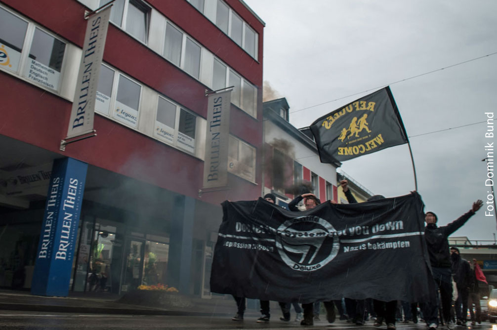 Linksautonome demonstrieren in der Völklinger City (Foto: Dominik Bund)