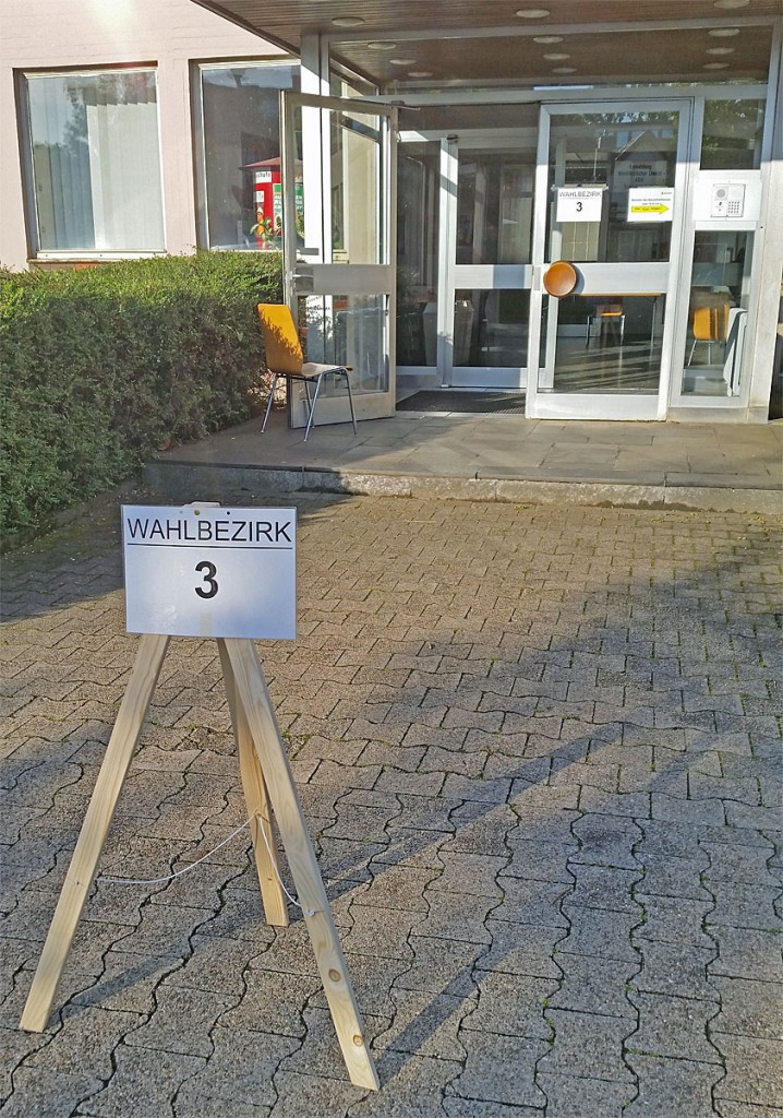 Die Wahllokale haben seit 8 Uhr geöffnet - bis 18 Uhr kann jeder seine Stimme noch abgeben! (Foto A.Hell)