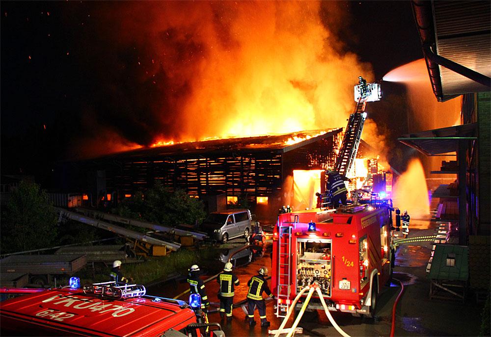 Großbrand in Geislautern (Foto: A.Hell)