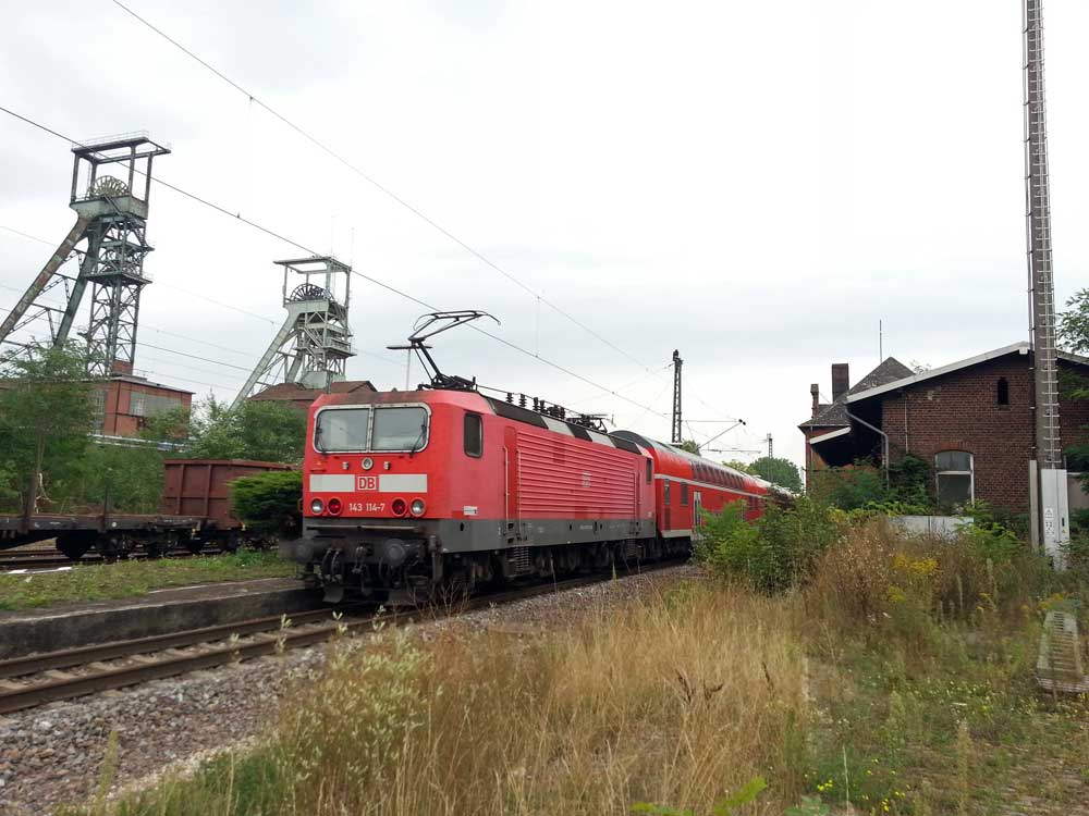 Viele Züge donnern täglich an Ortslagen wie Luisenthal vorbei. (Foto: Hell)