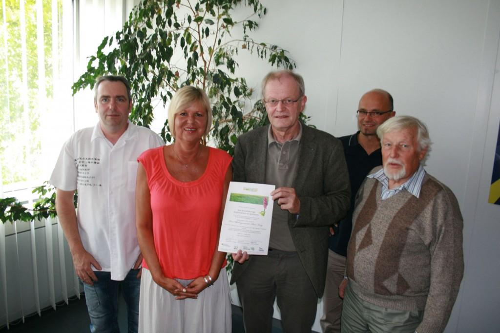 Bürgermeister Wolfgang Bintz gemeinsam mit der Projektleiterin Birgit Freiheit (u.A. - Foto: Stadt VKL)