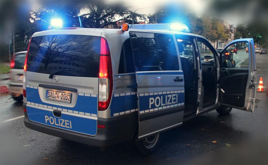 Die Polizei im Einsatz (Foto: A.Hell)