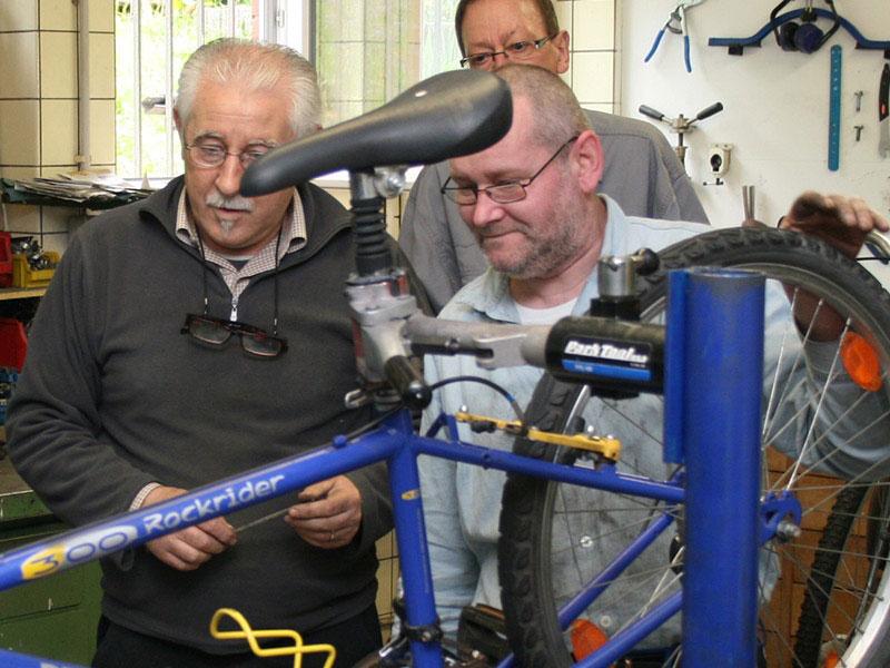Benötigt werden nun Ehrenamtliche als Reparaturexperten (Foto: Diakonie)