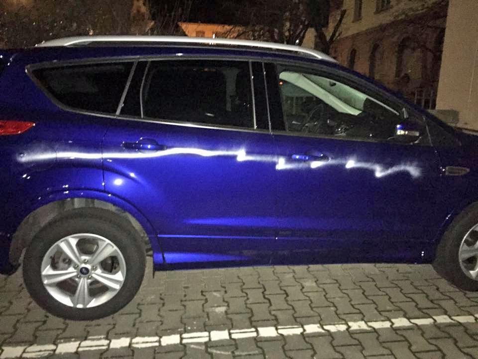 Und es geht weiter: Wieder wurden Autos mit Farbe beschädigt (Foto: Privat)
