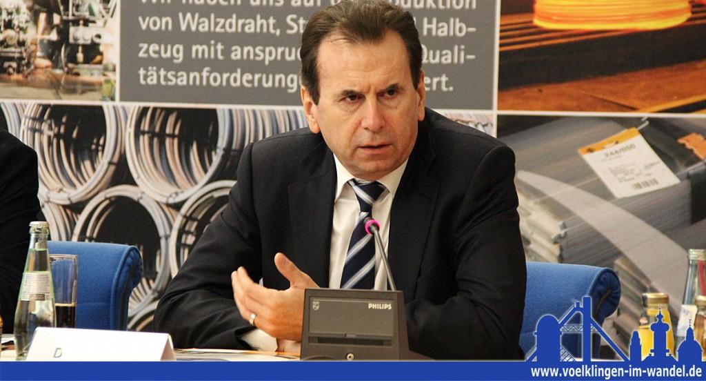 """Dr. Karlheinz Blessing, Vorstandsvorsitzender der Saarstahl AG: """"Für ein weltweit agierendes Stahlunternehmen wie Saarstahl mit Kunden, die höchste Qualität bei immer kürzeren Produktzyklen verlangen, ist die digitale Vernetzung schon heute ein wichtiger Wertschöpfungsfaktor."""" (Foto: Hell)"""