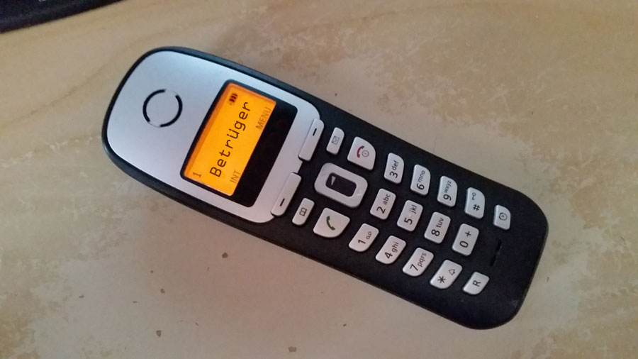 Betrüger am Telefon (Symbolfoto: Hell)
