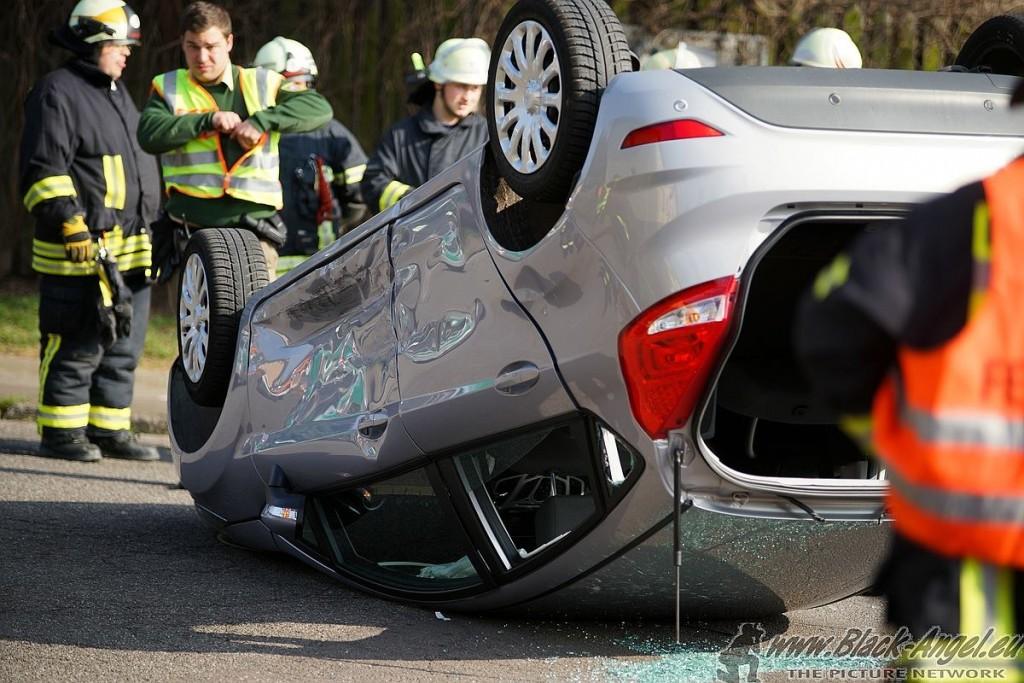 Dieser Ford Fiesta ist nicht mehr zu gebrauchen (Foto: M. Hoffmann)