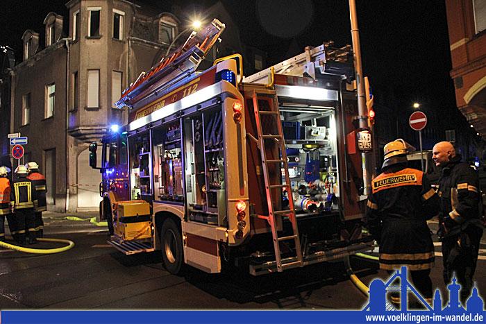 Die Feuerwehr Völklingen im Einsatz (Foto: Hell)