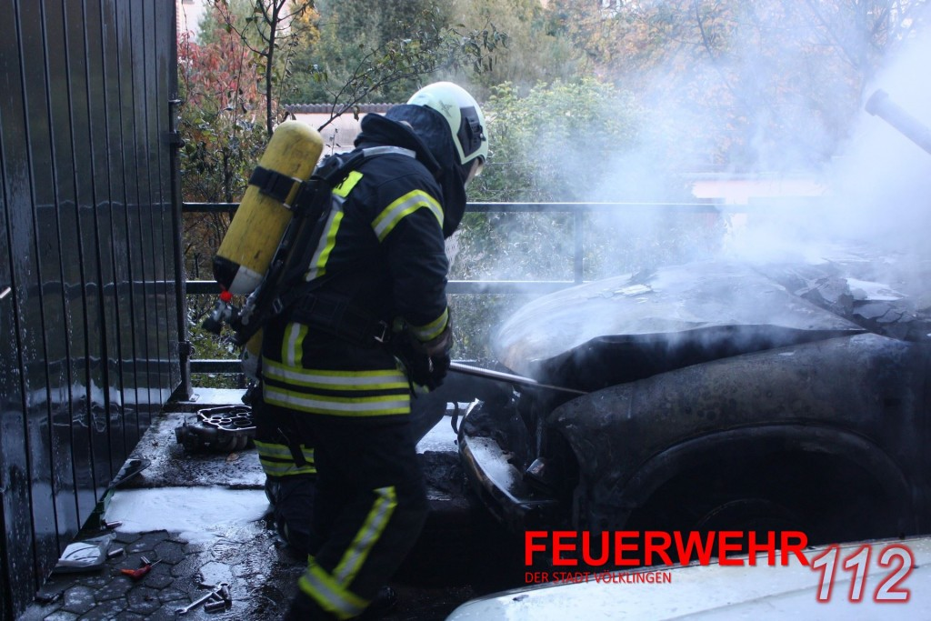 PKW-Brand in Ludweiler (Foto: FFW VKL)