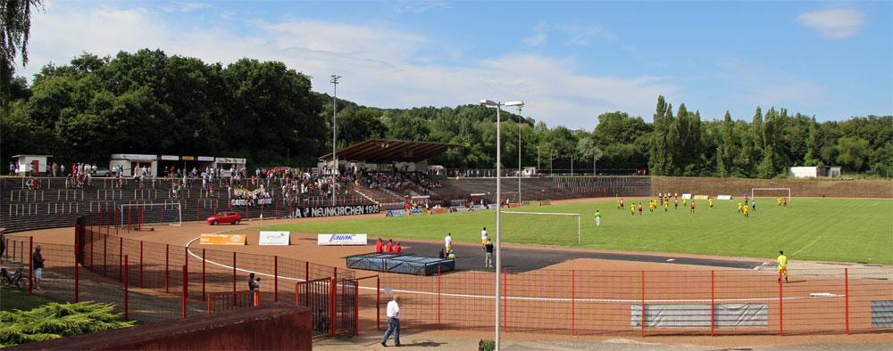 Im Spielbetrieb macht das Hermann-Neuberger-Stadion eine gute Figur (Foto: Hell)