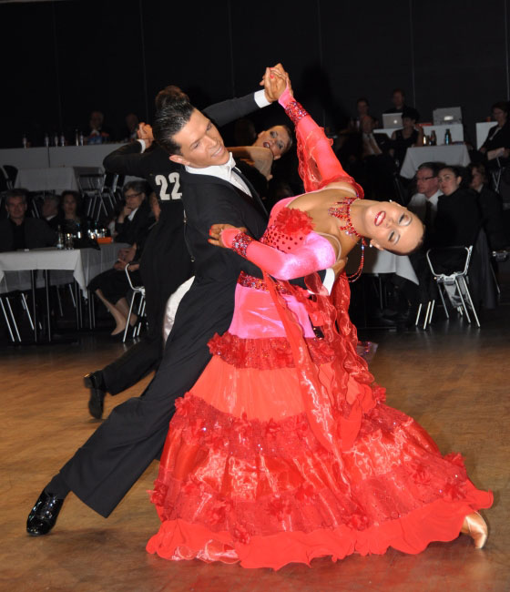 Höhepunkt des Abends wird die Mitternachtsshow mit den Drittplatzierten der Deutschen Meisterschaft über 10 Tänze Dumitru Doga – Sarah Ertmer vom Tanzsportclub TD Düsseldorf Rot-Weiß sein. (Foto: PM Verein)