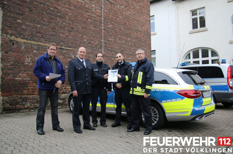 PK Harald Paulus, PHK Michael Zapp, PK Oliver Gauer, PK Steven Andler, BM Hans Peter Frühauf (Foto: FFW VKL)