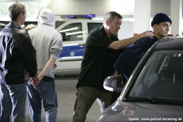 Erfolgreich: Diese Bande wurde von der Polizei geschnappt (Symbolfoto; Quelle: www.polizei-beratung.de)