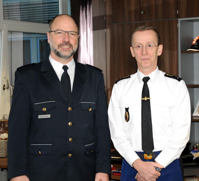 Foto: Links im Bild Landespolizeipräsident (LPP) Norbert Rupp, rechts Divisionsgeneral Morterol.