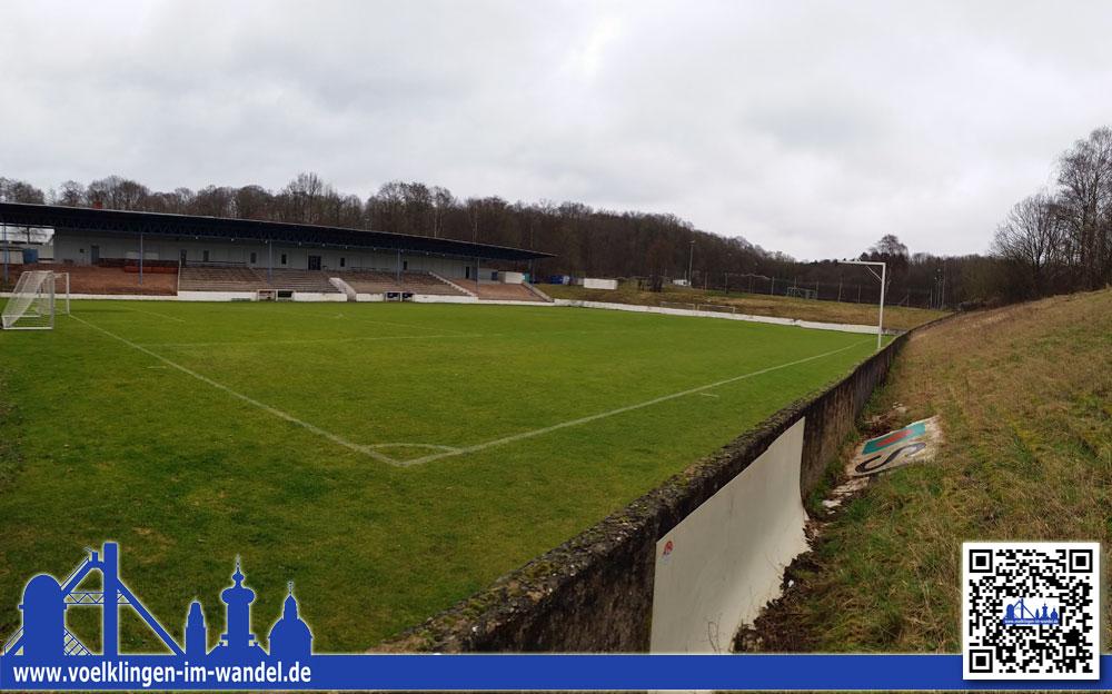 Die Oberliga-Kicker des SV Röchling Völklingen müssen zwei mal in der Woche nach Saarbrücken ausweichen. (Foto: Hell)