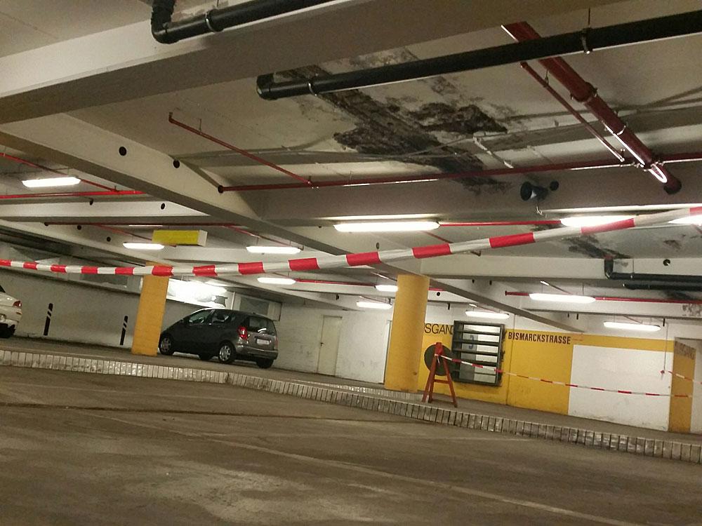 Dies ist nicht die einzige Stelle, an der der Beton platzt (Foto: Hell)