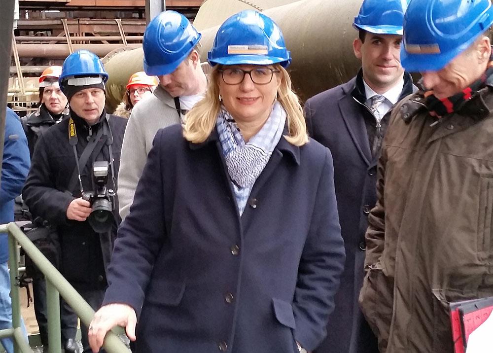 """Wirtschaftsministerin Anke Rehlinger betont, dass """"mit dem Abschluss der statischen Sanierung der Trockengasreinigungen I, II und III die Voraussetzungen dafür geschaffen wurden, das Weltkulturerbe Völklinger Hütte noch attraktiver und einzigartiger zu machen."""" (Foto: Hell)"""