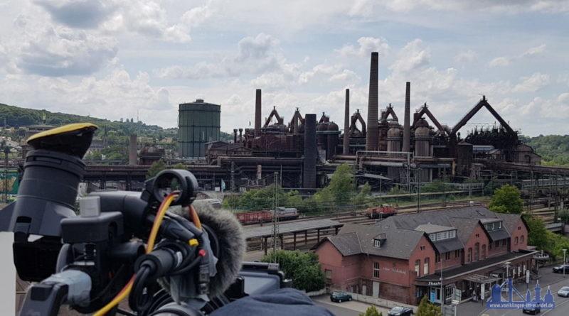 """Während der Dreharbeiten des Dokumentarfilms """"Der eiserne Schatz – Eine Geschichte der Völklinger Hütte"""" (Foto: Hell)"""