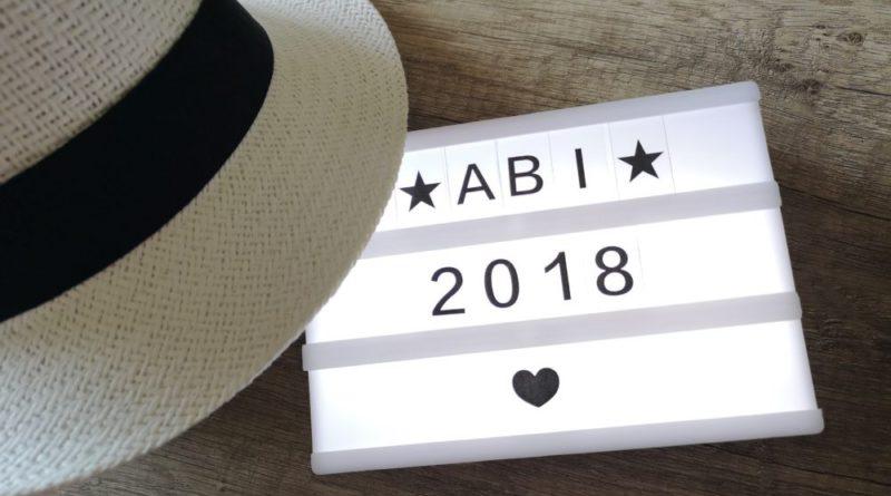 """""""ABI 2018 - und dann?"""" von Hell, Völklingen im Wandel ist lizenziert unter einer Creative Commons Namensnennung-Nicht kommerziell 4.0 International Lizenz."""