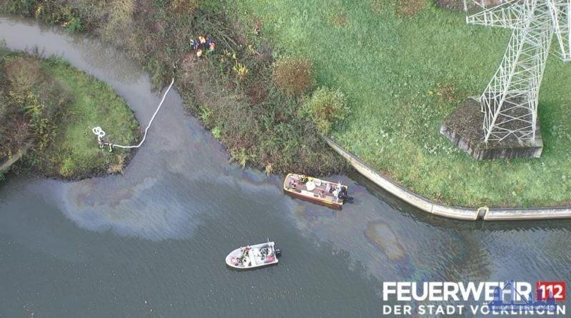 Ölfilm auf der Saar (Foto: Feuerwehr Völklingen)