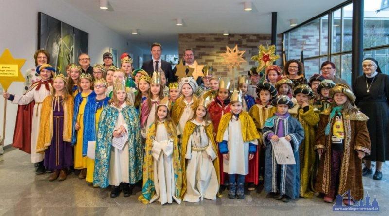 Besuch der Sternsinger bei Ministerpräsidenten Tobias Hans. Foto: Staatskanzlei Saarland/Pf
