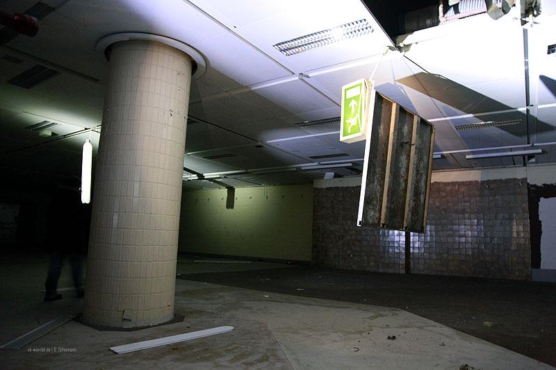 """""""Gespenstisch"""", die leeren Räume im alten Kaufhaus (Foto: Dieter Schumann)"""