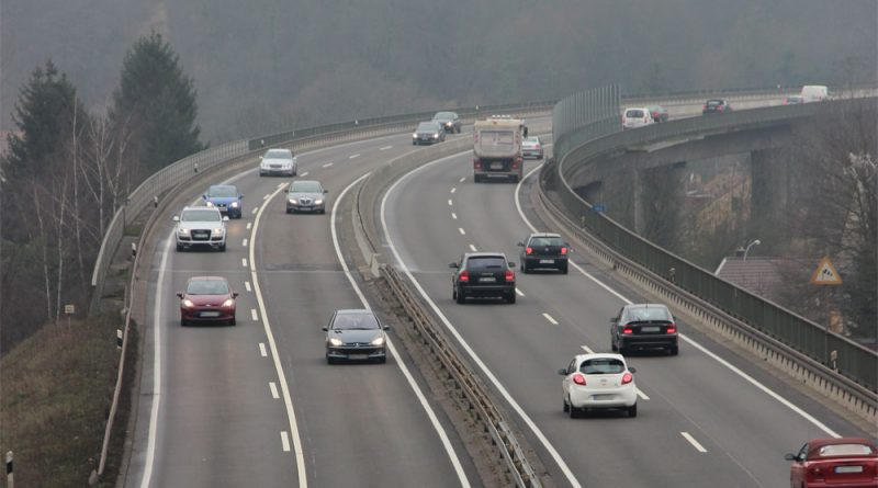 Die Rosseltalbrücke: Über sie führt die A620. Auch diese Brücke ist marode. (Foto: Hell)
