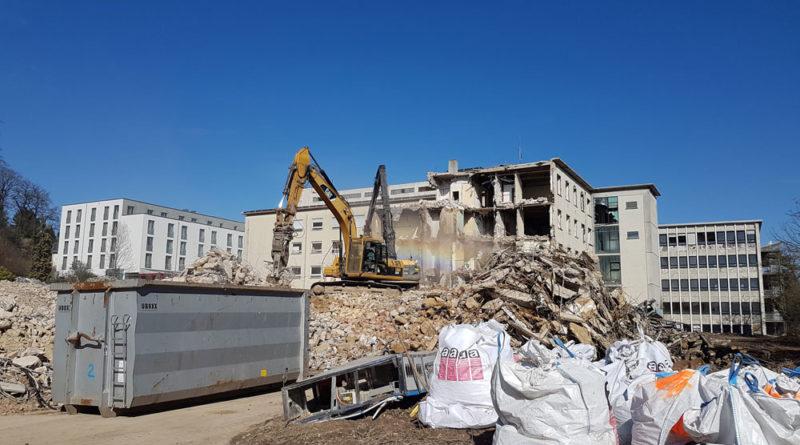 Im Frühling 2018 wird das Sankt Michaelskrankenhaus abgerissen (Foto: Hell)