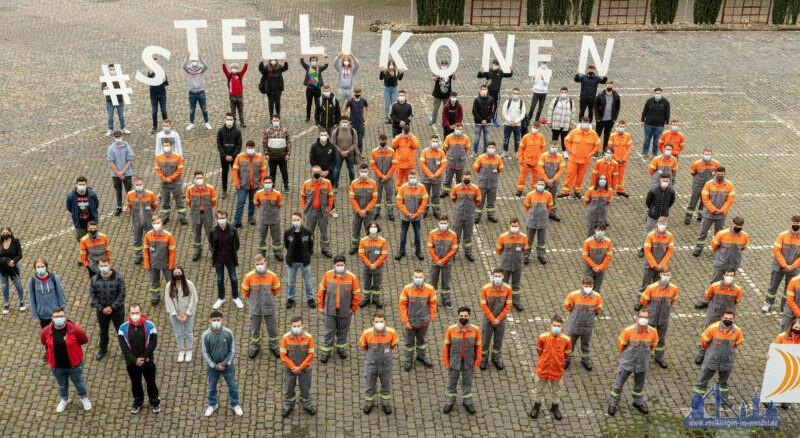 """""""Von hier aus in die Zukunft: 128 junge Menschen starten heute bei Saarstahl und Dillinger in das Berufsleben und lassen sich zu """"Steelikonen"""" ausbilden."""" Foto: Uwe Braun / SHS - Stahl-Holding-Saar"""