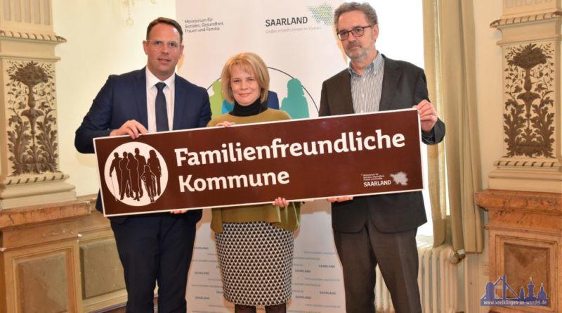 Staatssekretär Stephan Kolling, Oberbürgermeisterin Christiane Blatt und Fachbereichsleiter Jürgen Manz(von links) Foto: Sozialministerium
