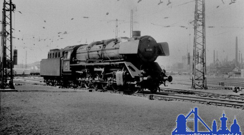 Ehranger 44 241 aus Richtung Dillingen vor dem heutigen Weltkulturerbe (rechts) © R. Gumbert