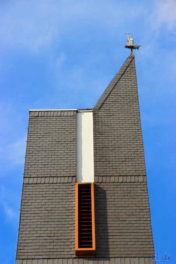 Die Turmfigur auf Sankt Michael ist eines Ihrer weitsichtbaren Werke (Foto: Hell/Archiv)