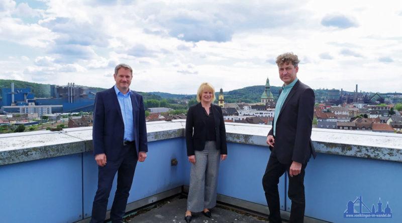 Auf Einladung der Oberbürgermeisterin trafen sich Christiane Blatt und der neue Generaldirektor der Völklinger Hütte, Dr. Ralf Beil, in Begleitung seines Mitgeschäftsführers Michael Schley im Neuen Rathaus. (Foto: Stadt)