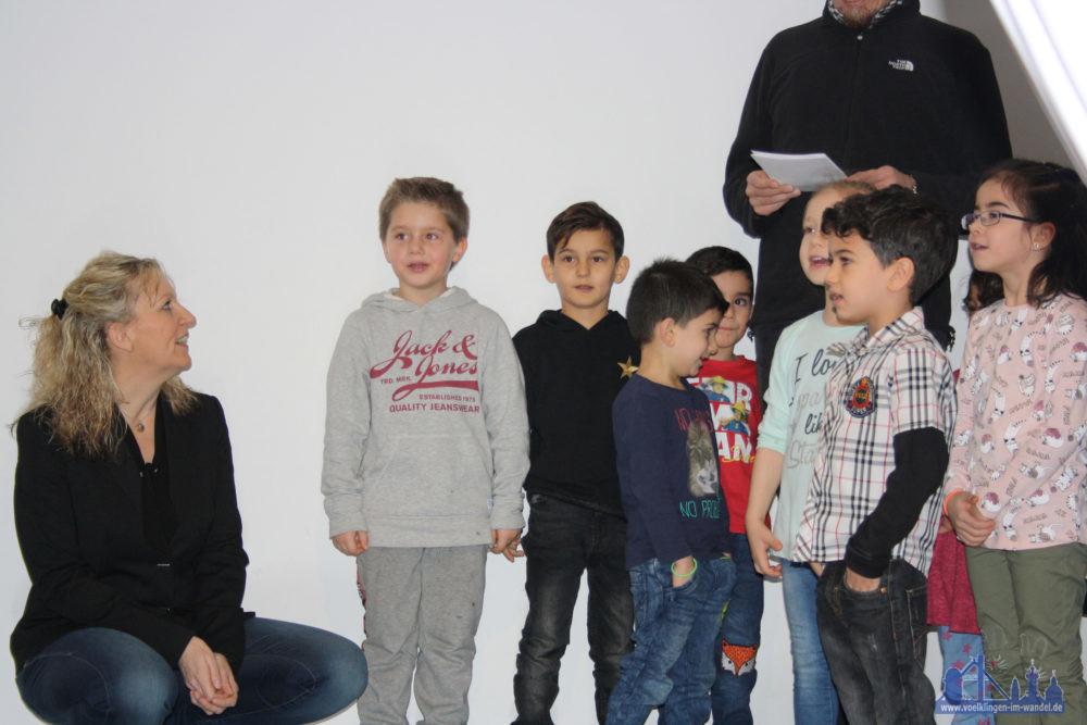 Die Kinder freuen sich über die modernisierte KiTa (Foto: Stadt VKL)