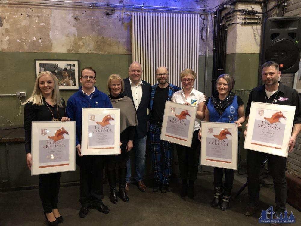 Foto von links nach rechts: Sarah Geiger (AGH),Björn Hiber (Hoch das Bein), OBin Christiane Blatt, BMChristof Sellen,Fidelius, Diana Chandoni (Rosselanos), Nadine Wappner (Braddler), Ingo Heimer (Beeles) | Fotonachweis : titovk