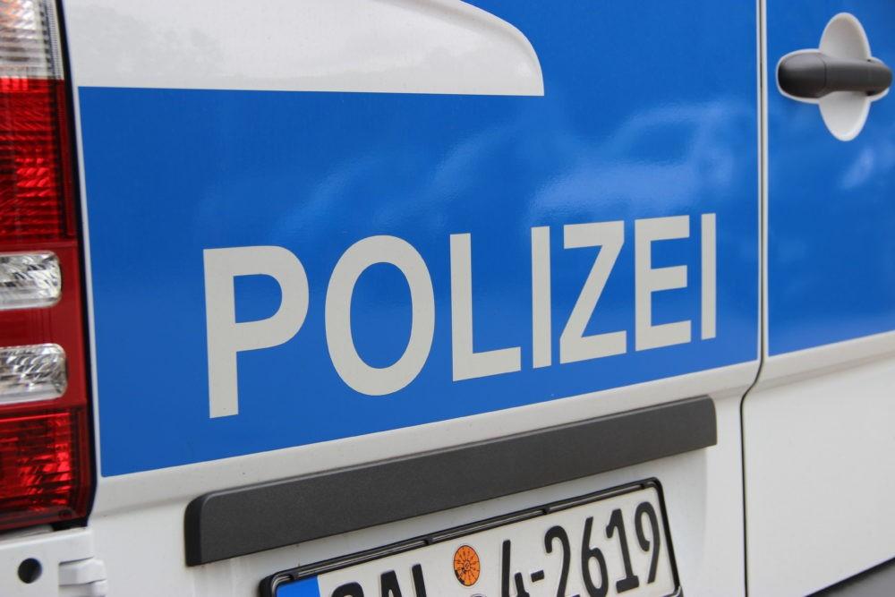 Polizei von Andreas Hell - Völklingen im Wandel ist lizenziert unter einer Creative Commons Namensnennung - Weitergabe unter gleichen Bedingungen 4.0 International Lizenz.
