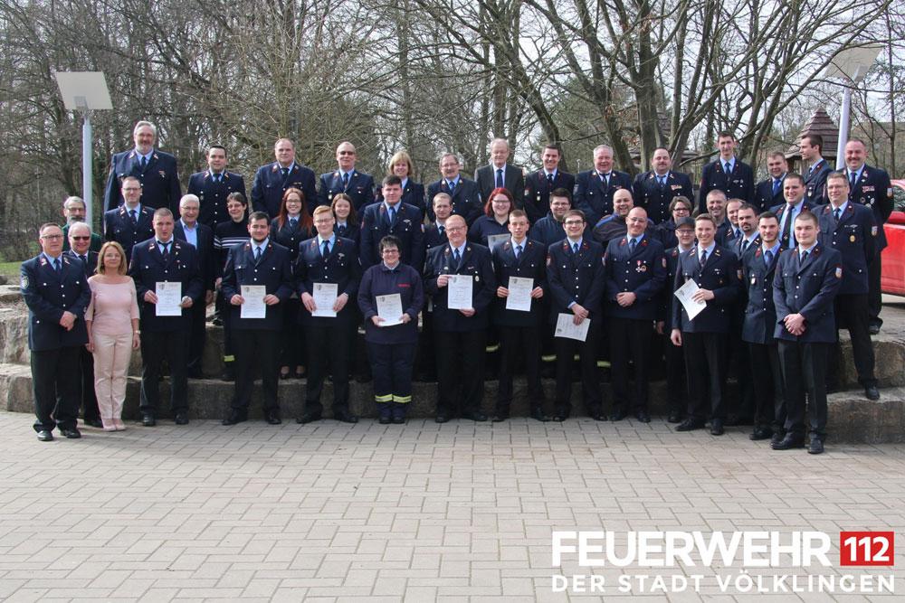 """Gruppenfoto """"Hauptversammlung der Feuerwehr Völklingen"""" (Foto: FFW VKL)"""