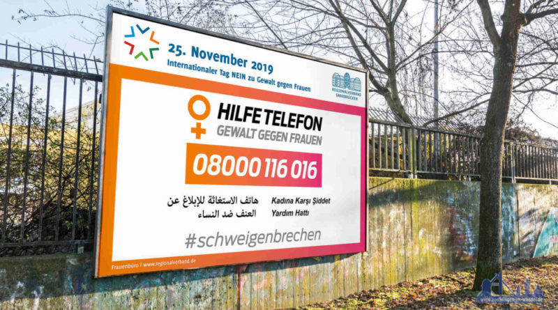 """Auf Großflächenplakaten weist das Frauenbüro des Regionalverbands Saarbrücken auf das Hilfetelefon """"Gewalt gegen Frauen"""" hin, Grafik: Hilfetelefon u. Regionalverband Saarbrücken"""