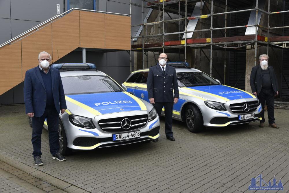 Innenminister Klaus Bouillon, Leiter der Polizeiinspektion Völklingen Herr Zapp, Staatlicher Hochbau & Liegenschaften Herr Prof. Dr. Schweer (v.l.n.r.) Foto: Innenministerium C.Stoll