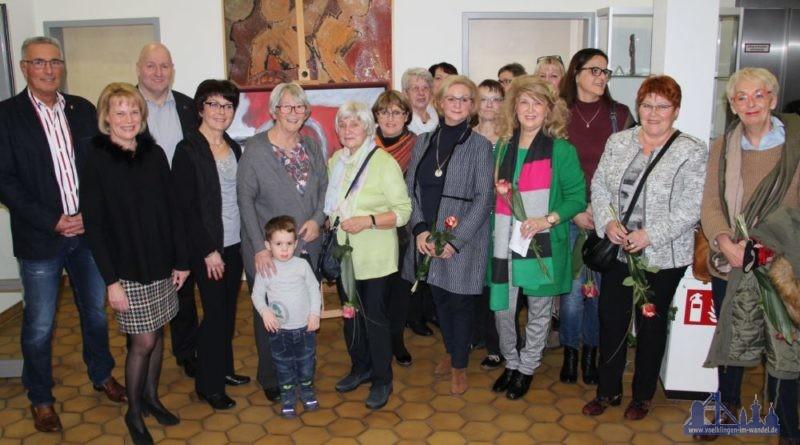 Gruppenfoto bei der Vernissage. Foto: Karl-Heinz Schäffner