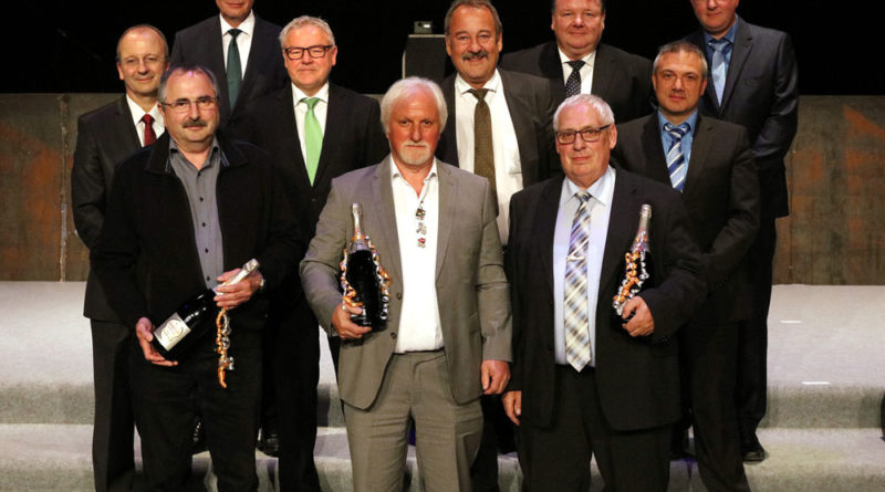 """Gruppenfoto """"50 Dienstjahre"""" (Foto: Saarstahl AG)"""